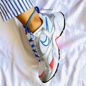 NWT Nike Air heights